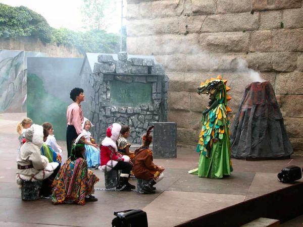 Burgfestspiele Leuchtenberg, eine Szene aus Jim Knopf.