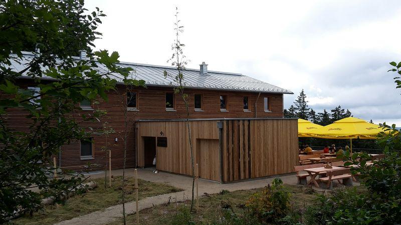 Das frisch renovierte Falkenstein-Schutzhaus