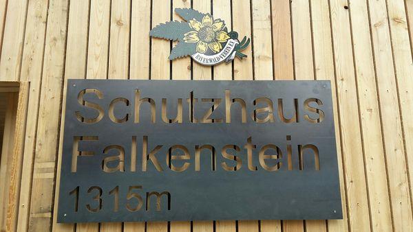 Das Falkenstein-Schutzhaus auf 1315 m Höhe
