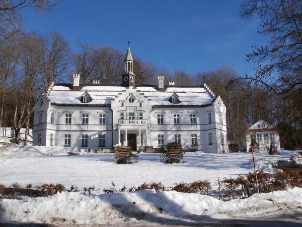 Schloss Buchenau in der Gemeinde Lindberg im Winterschlaf
