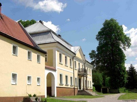 Schloss Ludwigsthal in der Gemeinde Linderg im Bayerischen Wald