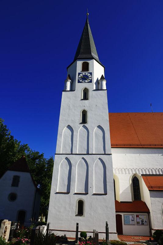 Die Pfarrkirche Peter und Paul in Loiching