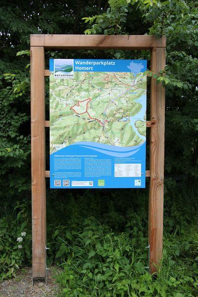 Informationstafel am Wanderparkplatz Homert