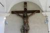 Gemarteter Christus am Kreuz