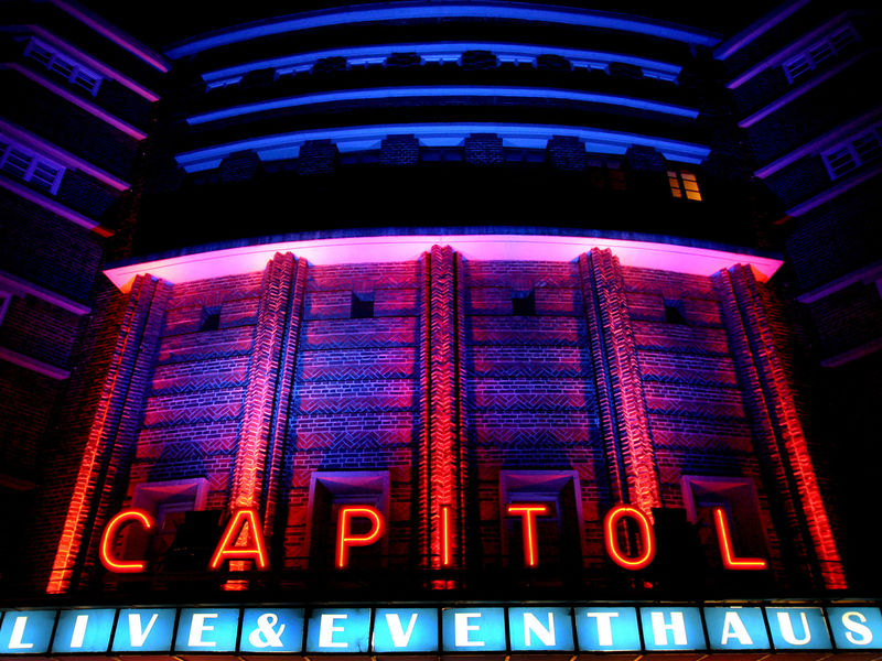 Mannheim, event location: Capitol theatre, entrance at night