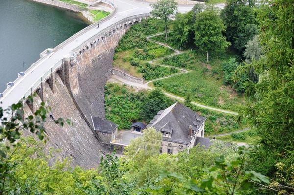 Blick Diemelsee Staumauer vom Eisenberg