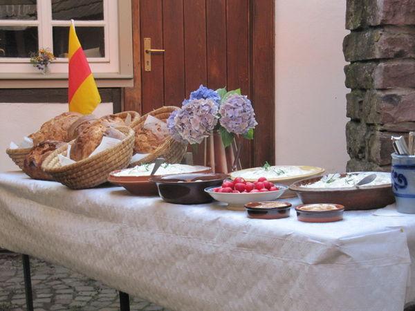 Bibeleskäs mit Brot
