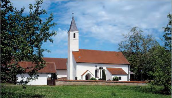 Außenansicht der Filialkirche Mauern