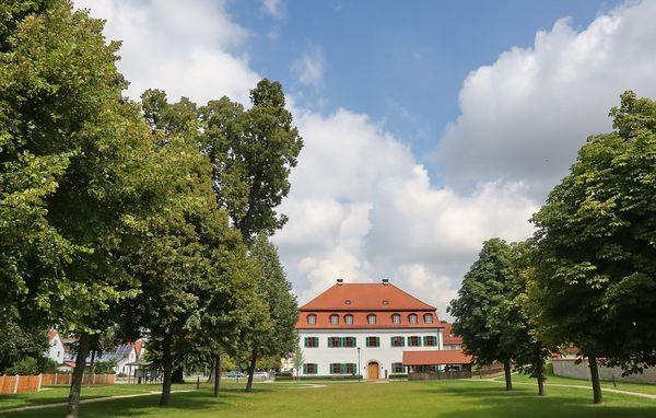 Hofmarkschloss Mauern und Hofgarten