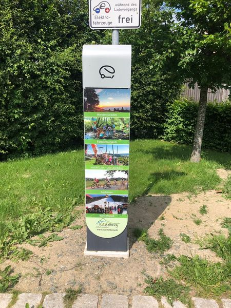 Ladepunkt für Elektroautos in Küstelberg