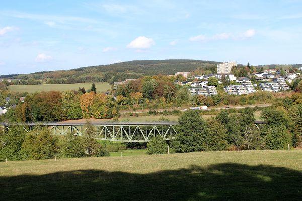 Blick auf die Fischbauchbrücke