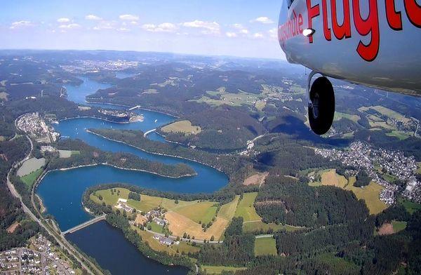 Flug über den Biggesee