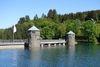 Die zwei Türme sind das Markenzeichen der Fürwigge-Staumauer