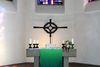 Der Altarraum der Kirche