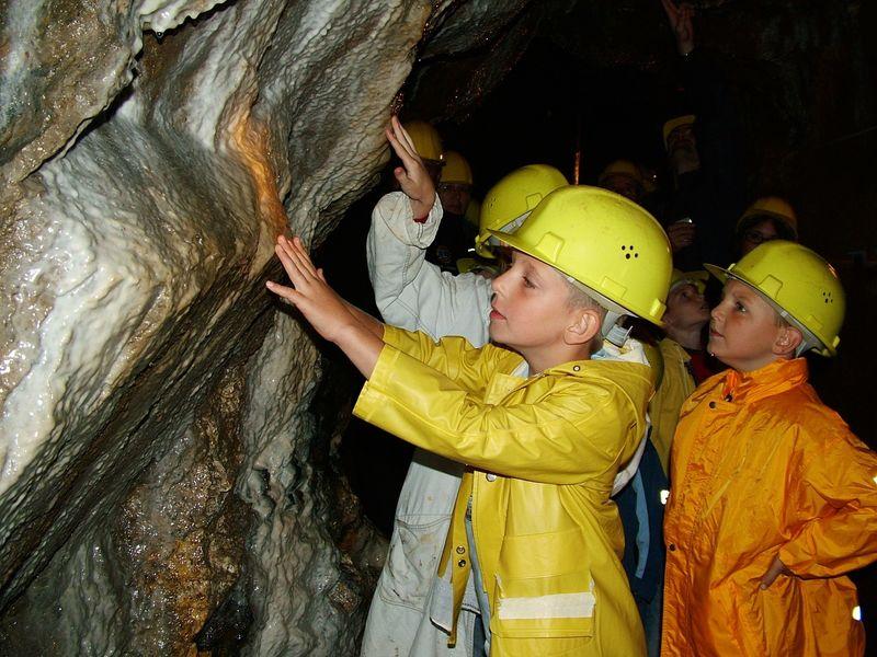 Kindergruppe im Besucherbergwerk Grube Gustav