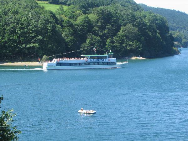 Schiffsrundfahrten auf dem Hennesee