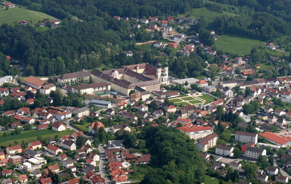 Metten historischer Klosterort bei Deggendorf