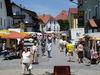 Buntes Markttreiben bei der Mitterfelser Marktmeile im Bayerischen Wald
