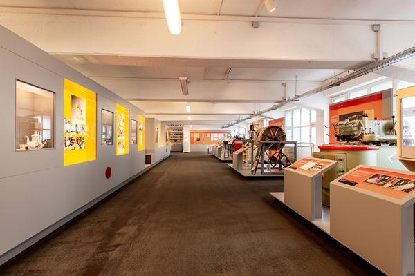 Die ehemaligen Produktionsräume der Porzellanfabrik in Mitterteich erinnern heute an die langjährige Tradition der Glasherstellung.