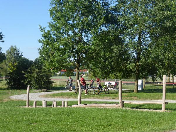 Der Bewegungsparcours liegt am Radweg Via Danubia.