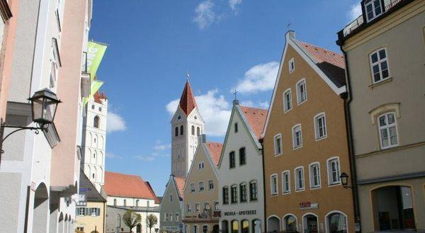 Häusserfassaden in Moosburgs Innenstadt