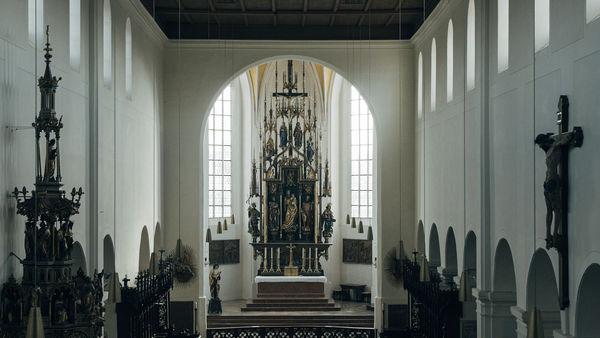Innenraum des St. Kastulus Münsters in Moosburg