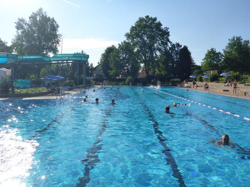 Outdoor swimming pool m llheim urlaubsland baden w rttemberg - Pool karlsruhe ...