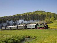 Schwäbische Alb-Bahn im Lautertal