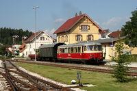 Schwäbische Alb-Bahn am Bahnhof in Münsingen