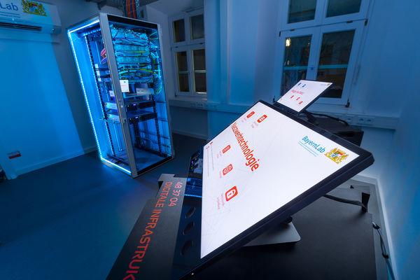 Netzwerktechnologie im BayernLab Nabburg