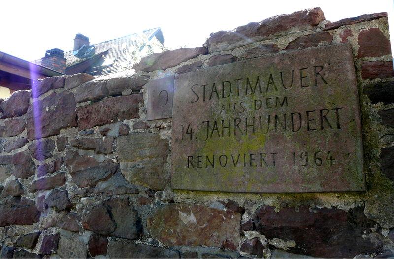 Stadttore und Reste der Mauer