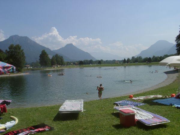 Liegewiese am Neubeurer See.