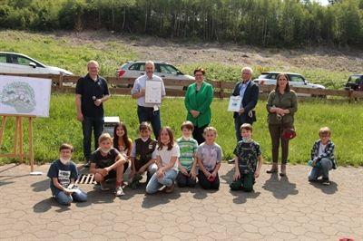 Die Freie Waldorfschule Neuenrade konnte im Juni 2021 die offizielle Zertifizierung und Auszeichnung als Naturpark-Schule feiern