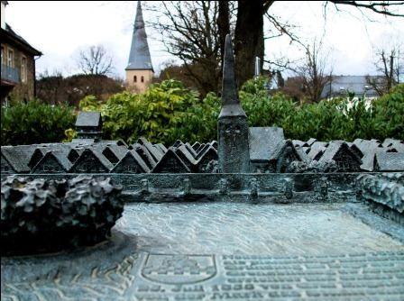 Bronzemodell der Stadt Neuenrade