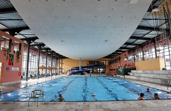 Schwimmbecken im Freizeit- und Erlebnisbad neufun in Neufahrn