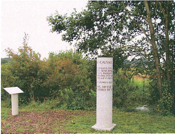 Römischer Meilenstein direkt an der Moosach, Fürholzen bei Neufahrn