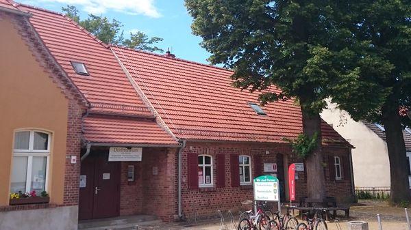 Neuhardenberg-Information, Foto: Katrin Suhr