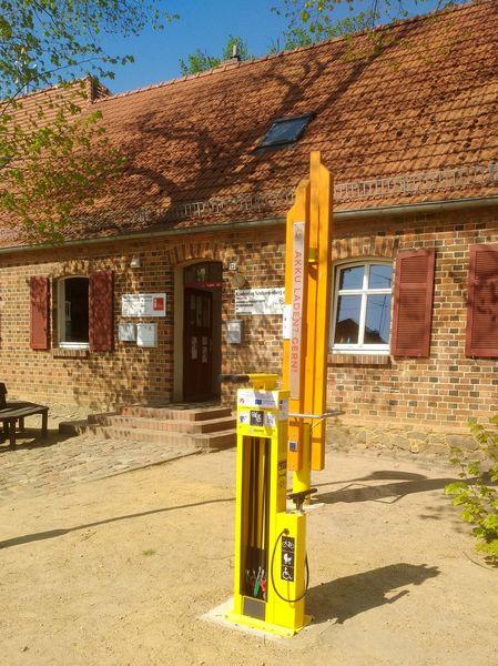 E-Bike Ladestation und Fahrradreparaturstation, Foto: Katrin Suhr