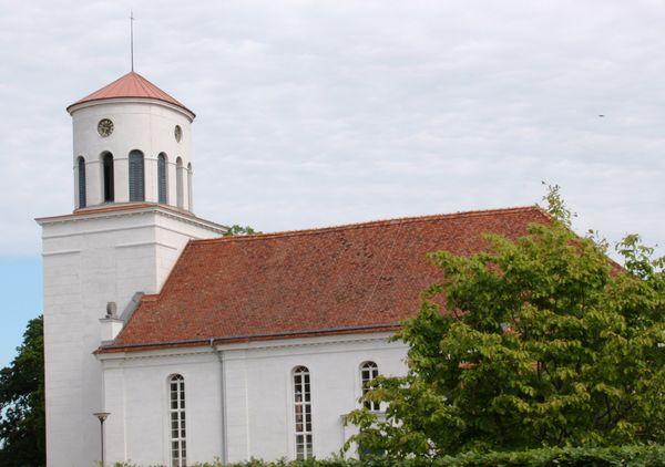 Schinkel-Kirche in Neuhardenberg