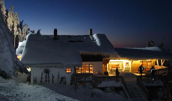 Berggasthof Schönblick auf dem Hohenbogen im Winter