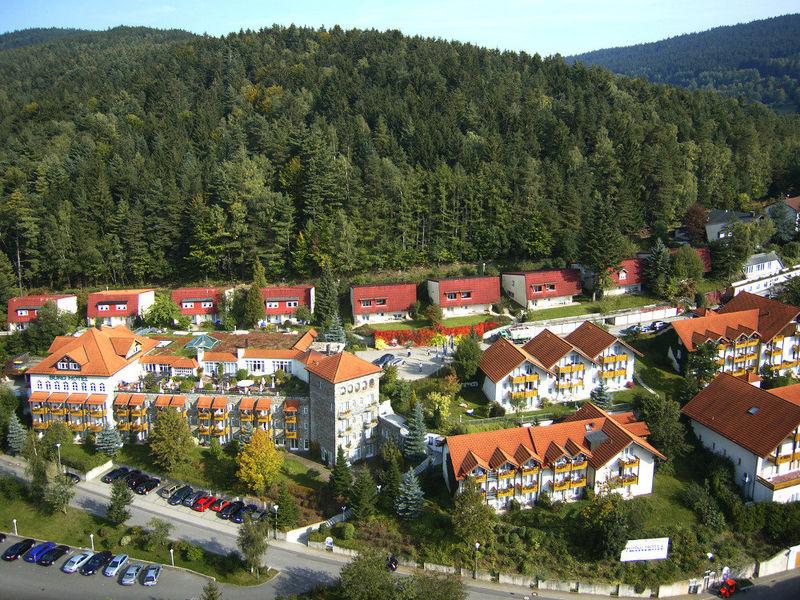 Blick von oben auf das Hotel Klosterhof in Neukirchen b. Hl. Blut