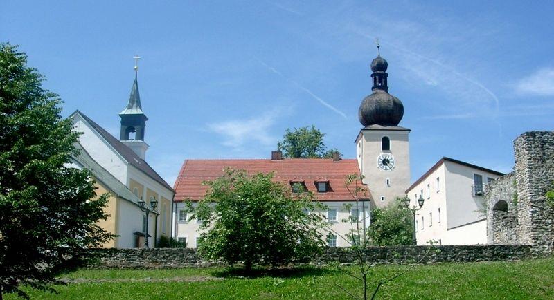 Blick auf das Wallfahrtsmuseum in Neukirchen b.Hl.Blut