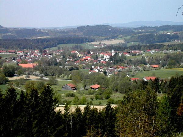 Naturgenuß und vielfältige Freizeitangebote!  Erholsamer und erlebnisreicher Urlaub im Erholungsort Neukirchen in der Urlaubsregion St. Englmar, mit den Ortsteilen Pürgl und Obermühlbach.