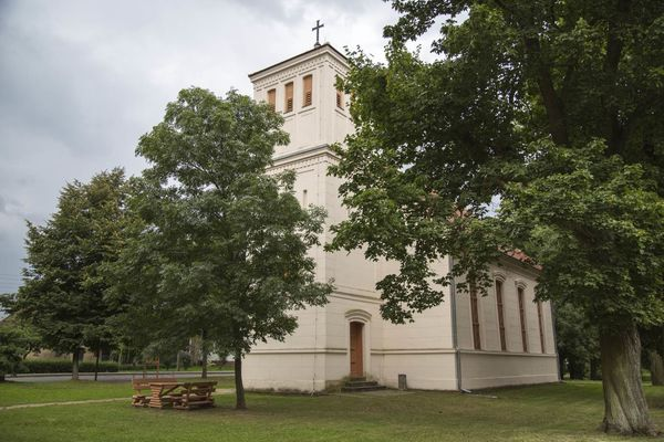 Kirche in Neulietzegöricke, Foto: TMB-Fotoarchiv/Steffen Lehmann