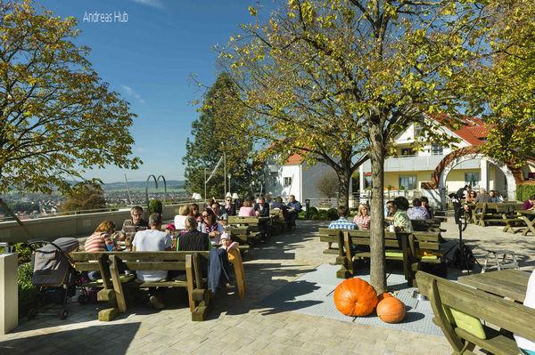 Der Biergarten Berggasthof des Hotels Sammüller in Neumarkt i.d. OPf.