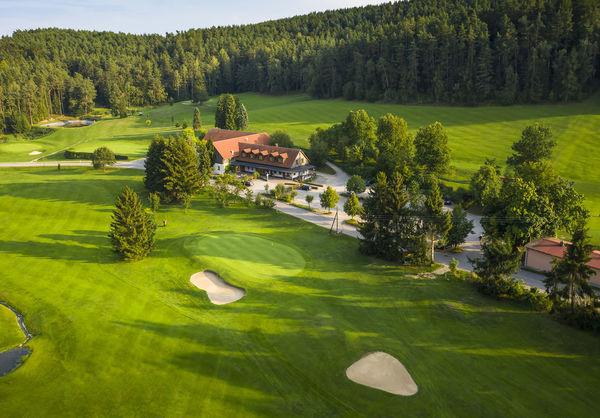 Das Clubhaus des Golf- und Landclubs Oberpfälzer Wald e.V.