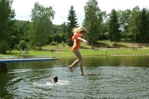 Badespaß in Neureichenau