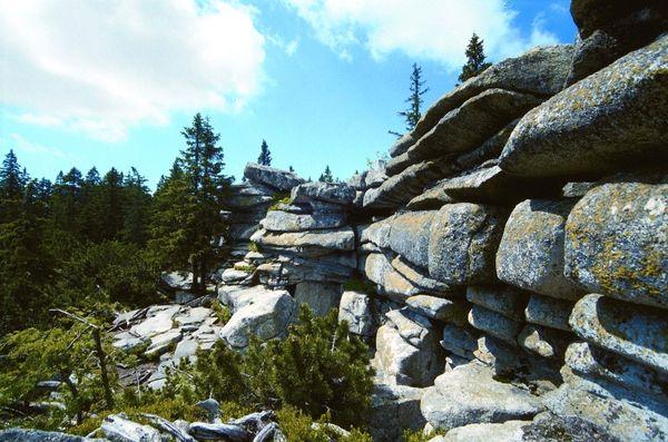 Felsformation am Bayerischen Plöckenstein im Dreiländereck Bayerischer Wald