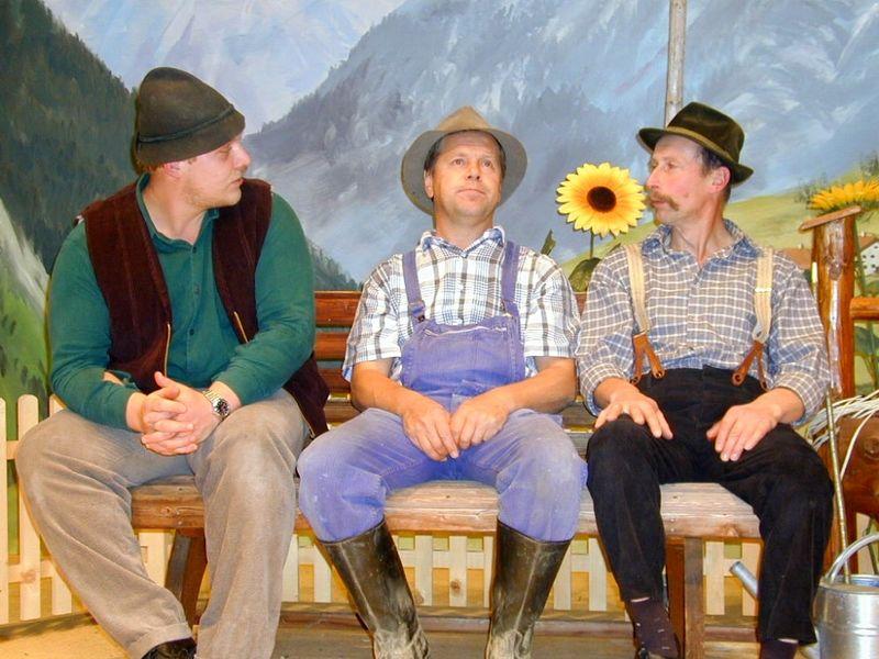 Szene aus dem Theaterstück der Dreisesselbühne Neureichenau im Jahre 2004