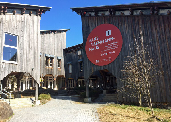 Blick auf das Besucherzentrum Hans Eisenmannhaus